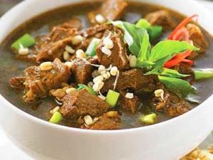 Rawon-Daging-Sapi-Khas-Surabaya-Jawa-Timur