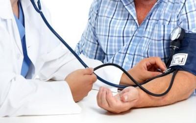 Mengukur Tekanan Darah pada Kedua Tangan