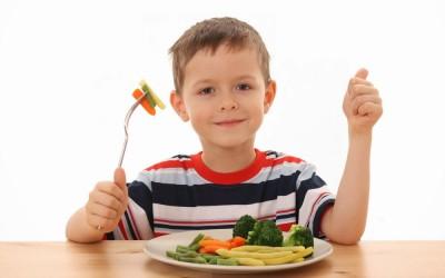 Ajarkan Anak Konsumsi Sayur dan Buah Sejak Dini